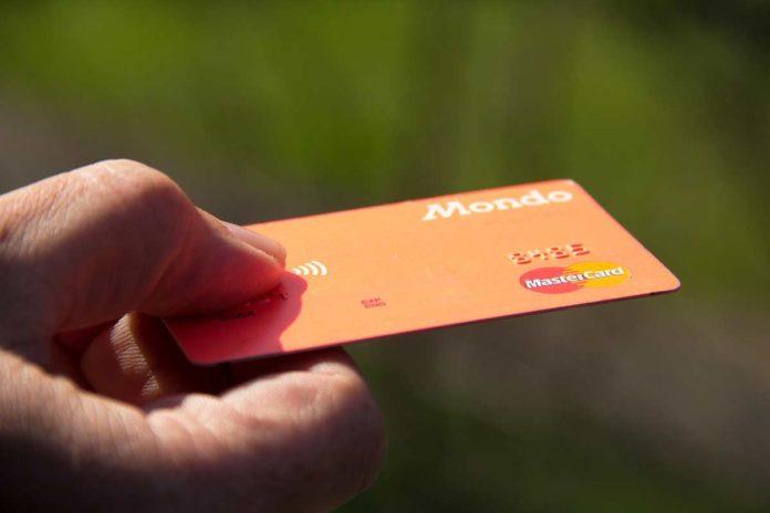 skolko deltayut creditnie karti